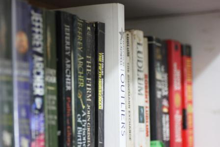 05417-modernbookshelf